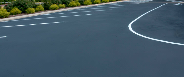white line painting in Gloucester Gloucestershire by Paving Gloucester uk